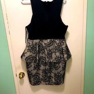 Bebe dress with paisleys and lace